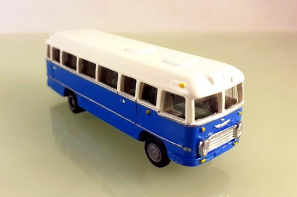 TT: FG000308 Omnibus Ikarus 31. Vorserie, Kleinserienmodell aus Resin in weiß / blau