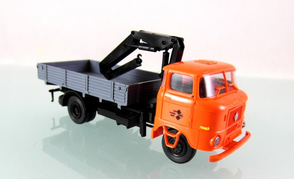 LKW W50L / L-LDK 1250 Ladekran in Messelackierung orange