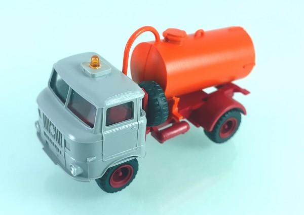 TT: FG000350 W50L mit Tankaufbau und Ballonbereifung. Kabine grau - Kleinserienmodell