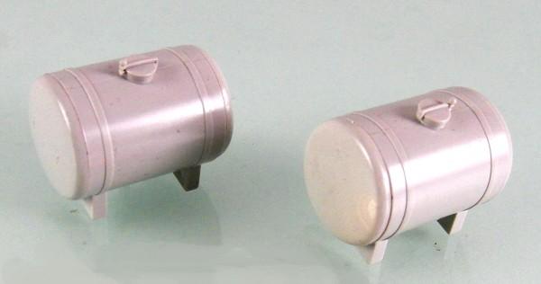 TT / H0: 2 Tanks zur Montage und Modellbahngestaltung.