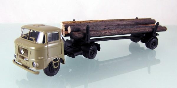 IFA W50L Langholztransporter sandbeige