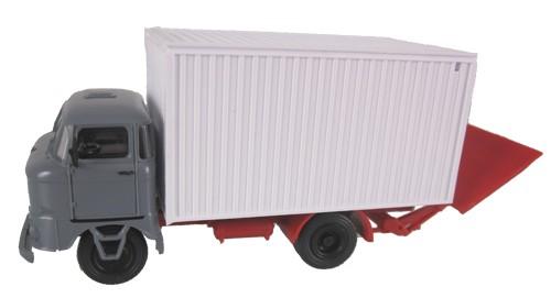 LKW W50 Kofferaufbau mit Ladebordwand, Grau