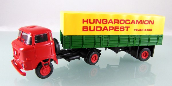 """W50L/SZ mit Pritschenauflieger """"Hungarocamion"""", Fahrerhaus rot"""