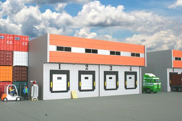 H0. Lasercutbausatz: Speditionslagerhalle mit 4 Anfahrrampen