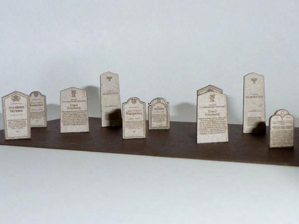 N: Lasercutbausatz: Grabsteine, Gräber, Gedenktafeln