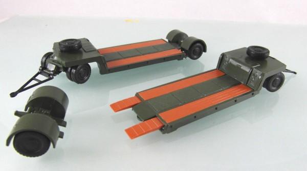 "2 Stück 12t Tieflader TL12 ""NVA / Nationale Volksarmee"""