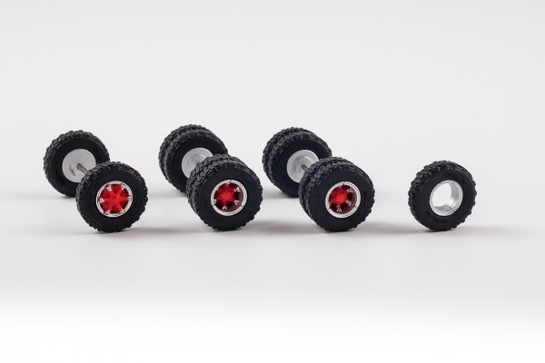 Radsatz mit Trilex Felgen. 12,45 mm mit Geländebereifung