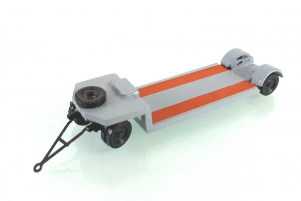TT: 24200059 Tieflade- Schwerlastanhänger TL12 in hellgrau. Kleinserienmodell