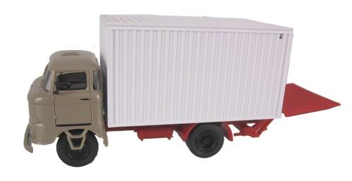 LKW W50 Kofferaufbau mit Ladebordwand, Sandbeige
