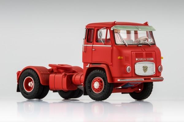 Scania LB 7635 rot mit Sonnenblende und Zierleiste auf der Stoßstange